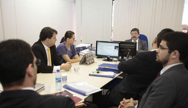 Audiência durou cinco horas, no fórum de Sussuarana - Foto: Edilson Lima | Ag. A TARDE