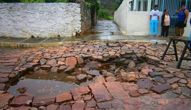 Pavimento do Centro Histórico danificado pela chuva - Foto: Prefeitura