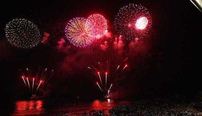 Festas que não possuírem autorização serão suspensas pela fiscalização - Foto: Claudionor Junior Ag A Tarde 01.01.2010