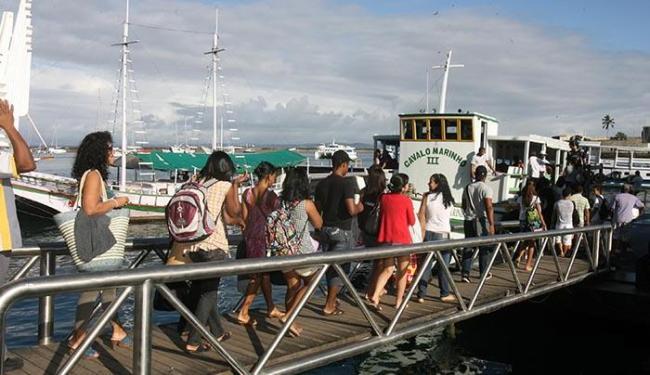 Movimento da saída da cidade para as festas de final de ano - Foto: Arestides Baptista   Ag A TARDE.