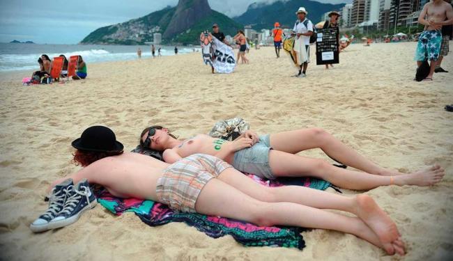 Mesmo com poucos participantes, ato chamou atenção - Foto: Agência Brasil
