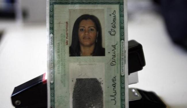 Miraci Pereira Casais, 35 anos, foi presa nesta terça-feira em Feira de Santana - Foto: Luiz Tito/Ag. A Tarde