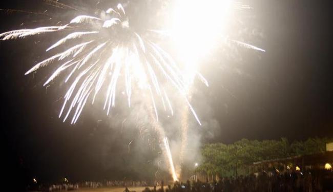 Serão 20 toneladas de fogos de artifício espalhados em pontos estratégicos da cidade - Foto: Mário Bittencourt - Ag. A Tarde
