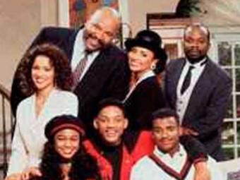 Avery (em pé à esquerda) viveu o tio adotivo de Will Smith no humorístico entre 1990 e 1996 - Foto: Agência O Globo | Divulgação