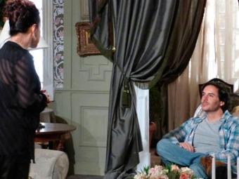 A governanta promete se vingar de Thales se algo acontecer a Natasha - Foto: Reprodução | TV GLOBO
