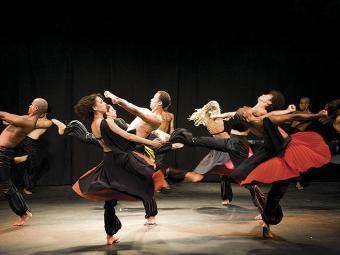 São oferecidas diversas modalidades de dança, em aulas que acontecem durante todo mês de janeiro - Foto: Divulgação | Funceb