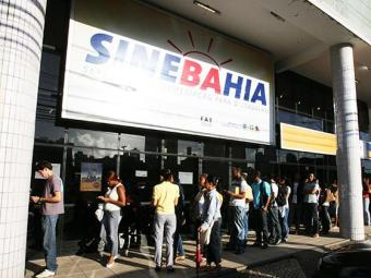 Candidatos devem se dirigir à unidade central do Sinebahi ou aos postos do SAC - Foto: Arestides Baptista   Ag A TARDE