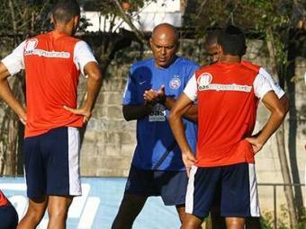 Garotada mostrou que entendeu o que o técnico Charles Fabian ensinou nos treinos - Foto: Margarida Neide | Ag. A TARDE