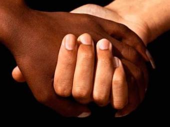 Possibilidade de um adolescente negro ser vítima de homicídio é 3,7 vezes maior do que a de um branc - Foto: Divulgação