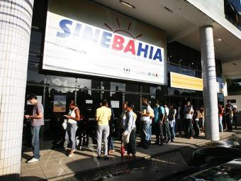 Candidatos devem se dirigir à unidade central do Sinebahia ou aos postos do SAC - Foto: Arestides Baptista | Ag A TARDE
