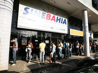 Candidatos devem se dirigir à unidade central do Sinebahia ou aos postos do SAC - Foto: Arestides Baptista   Ag A TARDE
