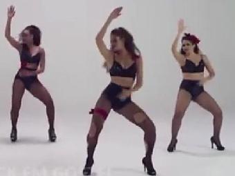Dançarinas ensinam coreografia - Foto: Reprodução