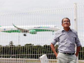 Luiz Eduardo Leal, 63 anos, não viaja de avião desde 1979 por medo - Foto: Lúcio Távora | Ag. A TARDE
