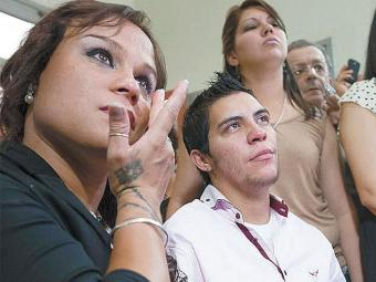Casal sofreu discriminação na cidade em que moram - Foto: Ricardo Santellan   Agência EFE