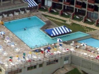 Polícia investiga morte em piscina em hotel - Foto: Carlos Casaes | Ag. A TARDE