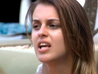 Angela revelou a Junior que não aguenta mais o brother Diego na casa - Foto: TV Globo | Reprodução