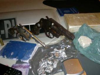 Armas apreendidas com os suspeitos - Foto: Divulgação/ Polícia Civil