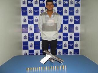 Segundo a polícia, Jusimar portava um pistola 765 - Foto: Divulgação/Polícia Civil