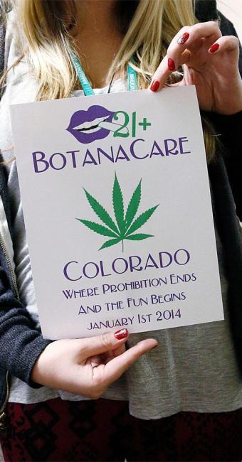 Cartaz da loja Botanacare, que comercializa maconha e foi inaugurada no dia 1º - Foto: Agência Reuters