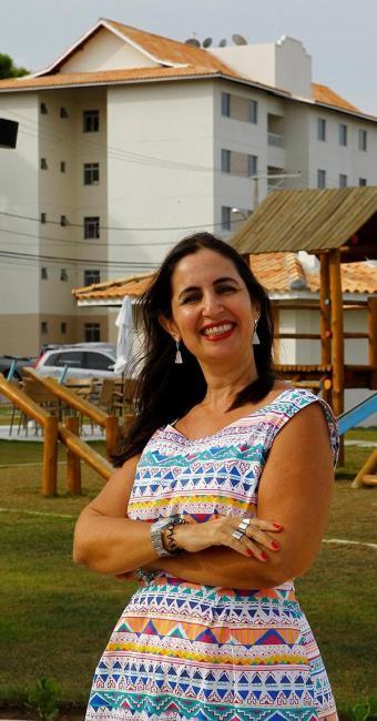 Adriane conta que a busca por apartamentos e casas no Litoral Norte cresceu - Foto: Eduardo Martins | Ag. A TARDE