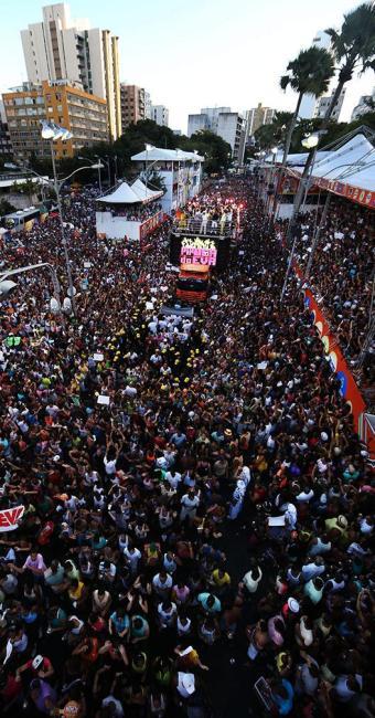 Este ano, o Carnaval de Salvador acontece entre os dias 27 de fevereiro a 4 de março - Foto: Raul Spinassé   Ag. A TARDE