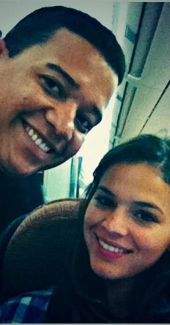 Fã tirou foto ao lado de Bruna Marquezine durante voo para Bercelona - Foto: Twitter | Reprodução