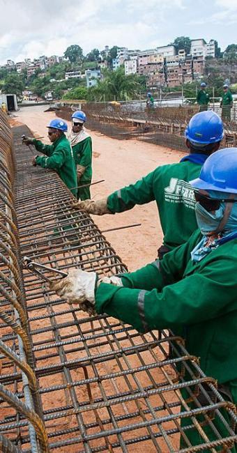 Construção civil manteve inalterado o número de postos de trabalho em 144 mil - Foto: Dorivan Marinho | Arquivo | Ag. A TARDE