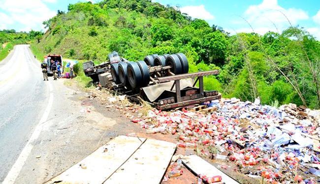 Veículo transportava carga de de bebidas alcoólicas e energéticos - Foto: Divulgação | Clic101