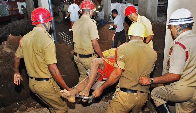 Dezenas de pessoas ficaram feridas no desabamento na Índia - Foto: Agência Reuters