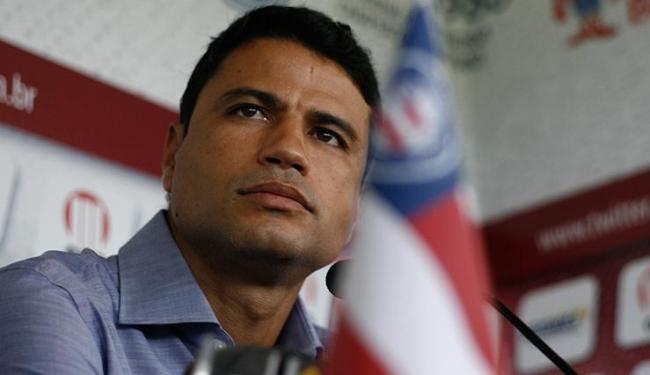 William Machado confirmou que o Bahia vai usar seus principais jogadores no estadual - Foto: Raul Spinassé / Ag. A TARDE