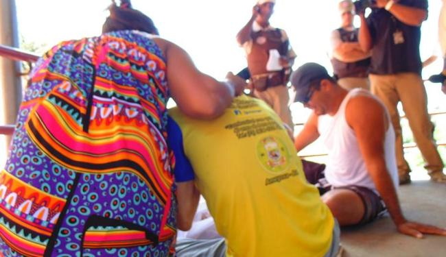 Familiares inconformados com a morte de Jéssica Ramos dos Santos - Foto: Cláudio Cassiano | Ag. A TARDE