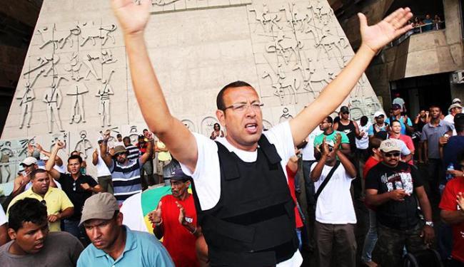 Marcos Prisco liderou greve da PM em 2012 - Foto: Lúcio Távora / Ag. A Tarde