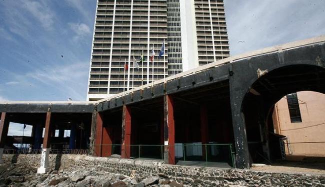 Engenheiro denuncia estado de deterioração da rampa de acesso ao Hotel Pestana, que nega acusações - Foto: Luciano da Matta / Ag. A TARDE