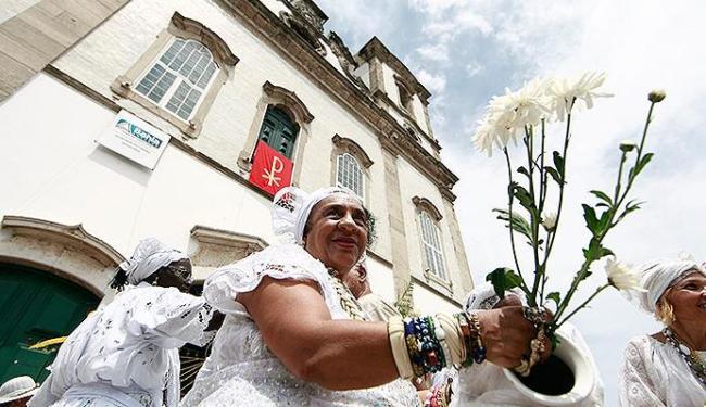 Cortejo oficial liderado pelas baianas sai às 9 horas da Igreja da Conceição da Praia - Foto: Rauls Spinassé | Ag. A TARDE