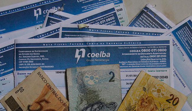 Caso não cumpra a decisão a Coelba pode pagar multa de 50 mil reais em cada caso de suspensão - Foto: Joá Souza | Ag. A TARDE