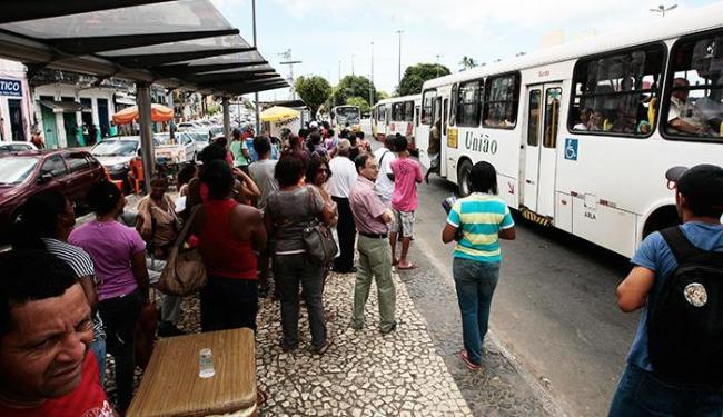 Usuários reclamaram da falta de informação sobre as linhas extintas - Foto: Mila Cordeiro/ Ag. A TARDE