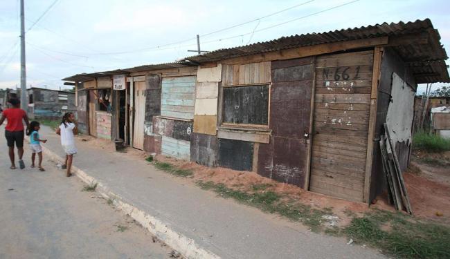 Cidade de Plástico, no subúrbio ferroviário, área considerada crítica por delegado - Foto: Lúcio Távora | Ag. A TARDE