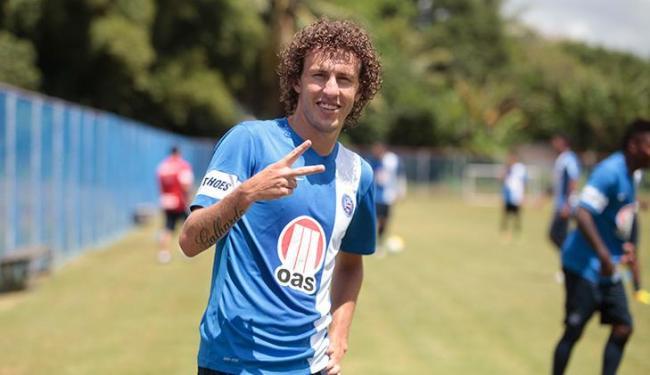 Aos 22 anos, Galhardo busca a titularidade em posição que seis jogadores foram usados em 2013 - Foto: Edilson Lima / Ag. A TARDE