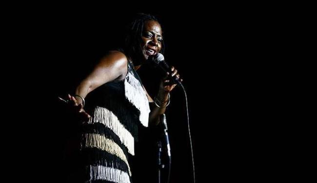 Sharon Jones se apresentou em Salvador, no Teatro Castro Alves, em 2011 - Foto: Mila Cordeiro   Ag. A TARDE