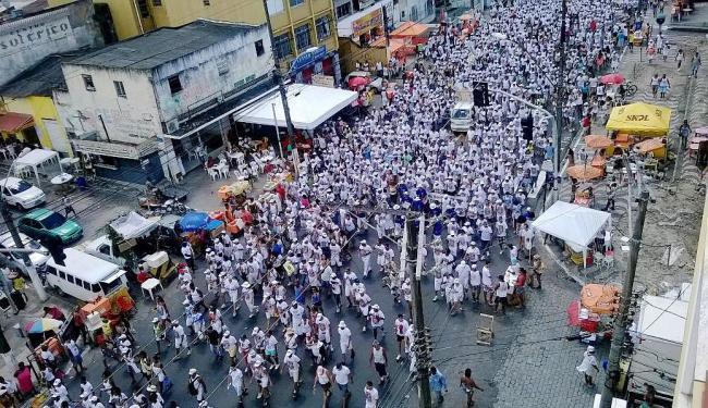 Fiéis lotam avenida no bairro dos Mares - Foto: Carlos Vinícius Luz Mattos | Cidadão Repórter