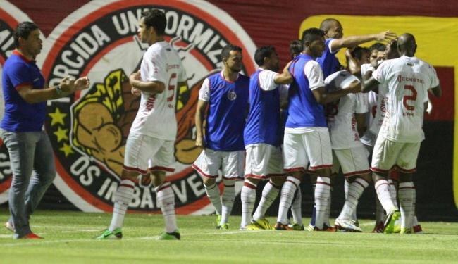 Vitória não faz valer mando de campo e leva três do América-RN na estreia da Copa do Nordeste - Foto: Lúcio Távora | Ag. A TARDE