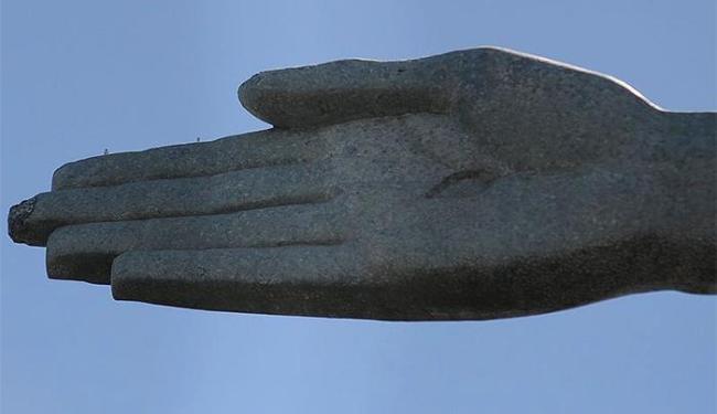 Raio causou danos em um dos dedos da mão direita - Foto: Thomaz Silva l Agência Brasil)