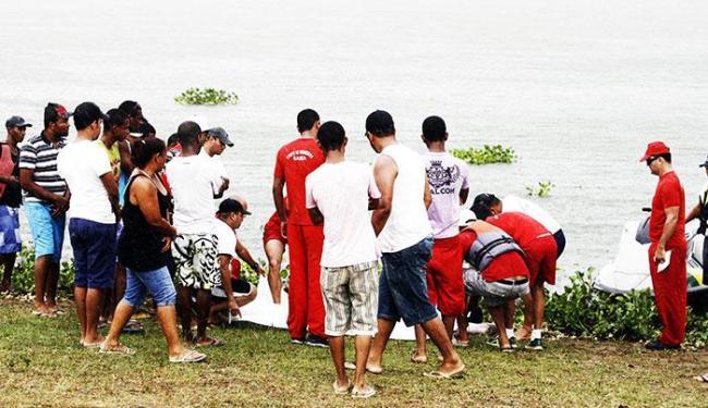 Corpo foi localizado a 250 metros das margens do rio - Foto: Luiz Tito/Ag. A Tarde