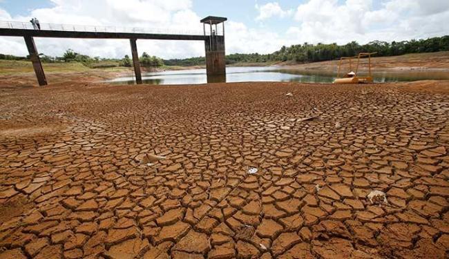 Aquecimento foi sentido no Nordeste, onde a seca chegou a diversas cidades - Foto: Carlos Casaes | Ag. A TARDE