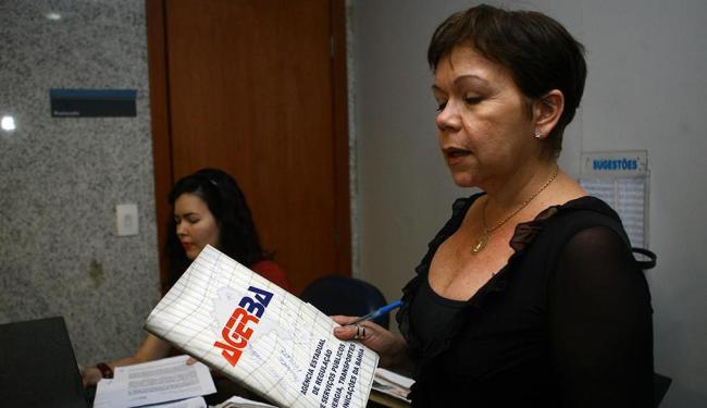 Comerciante da ilha, Lenise Ferreira protocola ação no Ministério Público Federal - Foto: Margarida Neide | Ag. A TARDE
