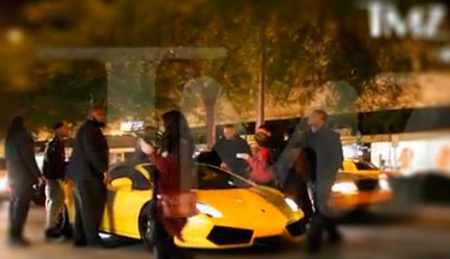 O cantor estaria fazendo um pega no momento em que foi preso - Foto: Reprodução   TMZ