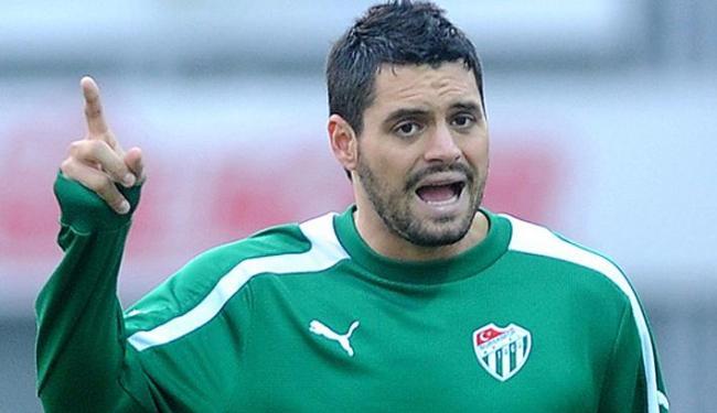 O chileno Sebastián Pinto chega para ser o camisa nove do Bahia - Foto: Bursaspor | Divulgação