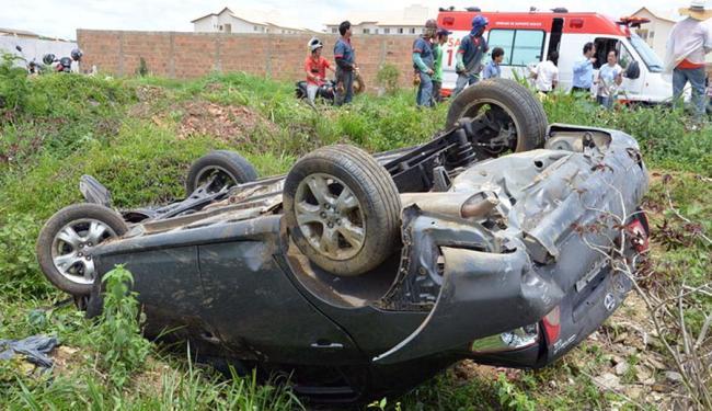 Uma ambulância do Samu socorreu as vítimas do acidente - Foto: Reprodução | Blog do Anderson