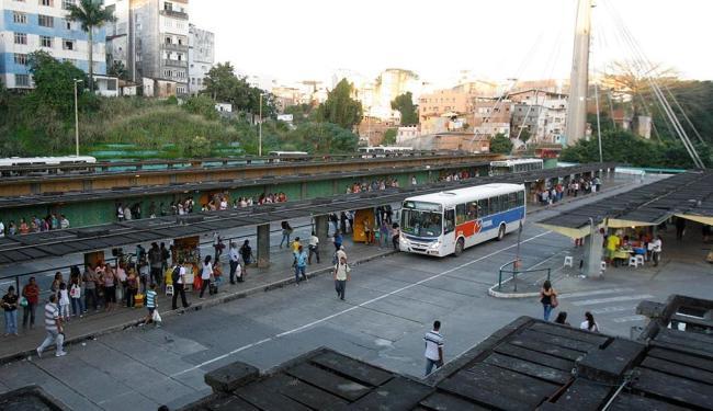Sujeira e abandono marcam o terminal de transporte - Foto: Joá Souza | Ag. A TARDE
