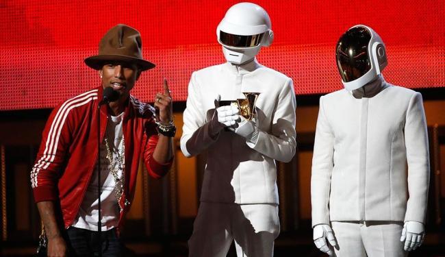 Pharrell Williams recebeu o prêmio de álbum do ano em nome da dupla Daft Punk - Foto: Mario Anzuoni | Agência Reuters